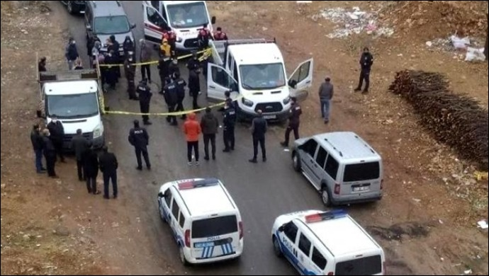 Park halindeki kamyonette bir kişi ölü bulundu