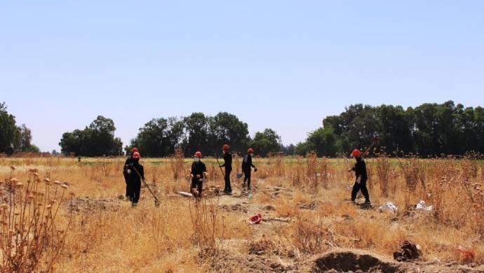 Rakka'da bir toplu mezarda 190 cenaze çıkartıldı
