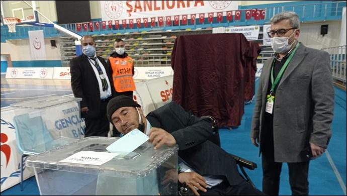 Şanlıurfa ASKF'de kongre heyecanı! Delegeler oy kullanmaya başladı