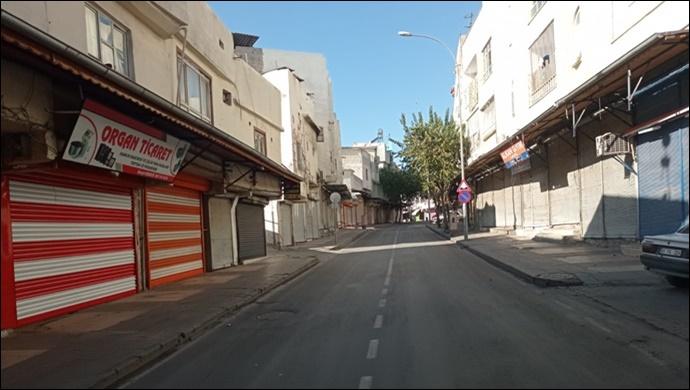 Şanlıurfa'da cadde ve sokaklarda sessizlik hakim