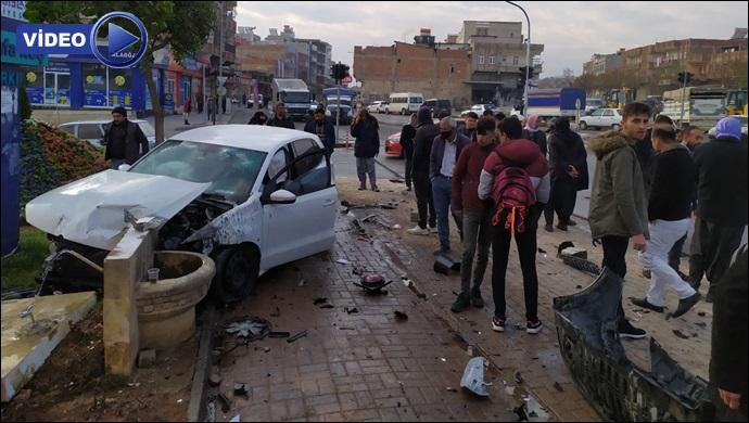 Şanlıurfa'da feci kaza! İki otomobil çarpıştı-(VİDEO)