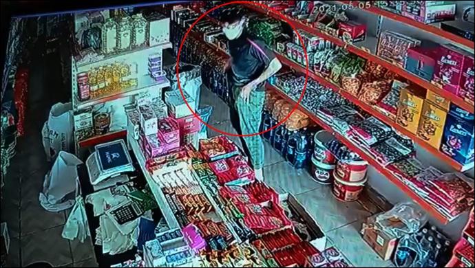 Şanlıurfa'da gündüz gözüyle hırsızlık!-(VİDEO)