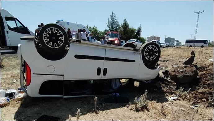 Şanlıurfa'da trafik kazası: Araç takla attı
