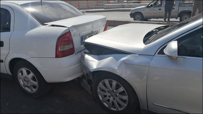Şanlıurfa'da zincirleme kaza: Yaşlı kadın yaralandı-(VİDEO)