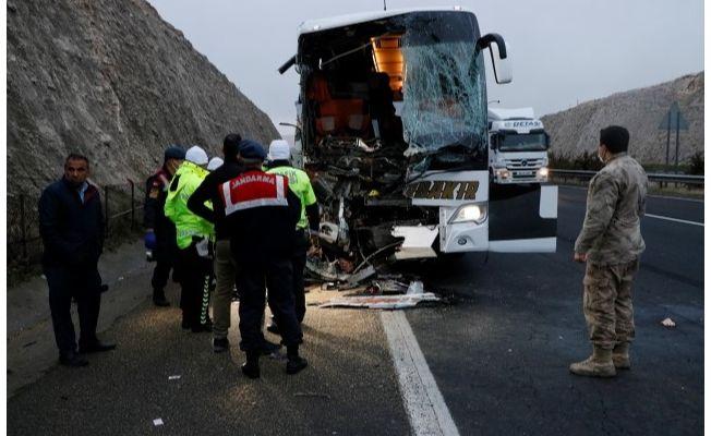 Urfa'daki feci kazada ölenlerin kimliği belli oldu