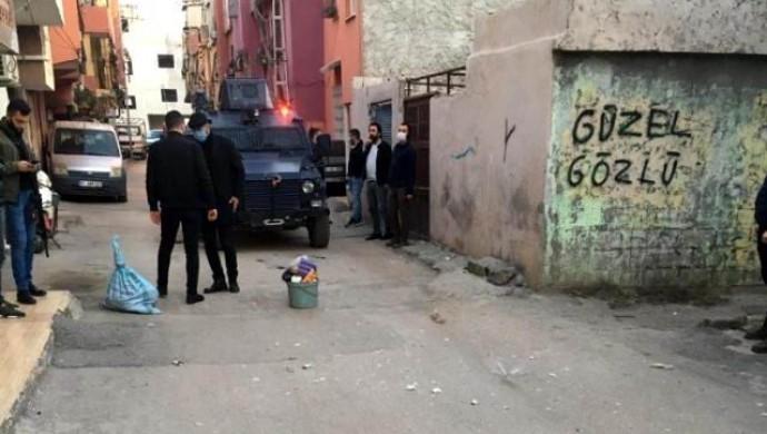 Seyhan'da ses bombası patladı