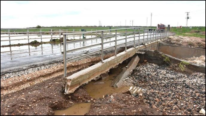 Şiddetli yağış, Urfa'da hayatı olumsuz etkiledi