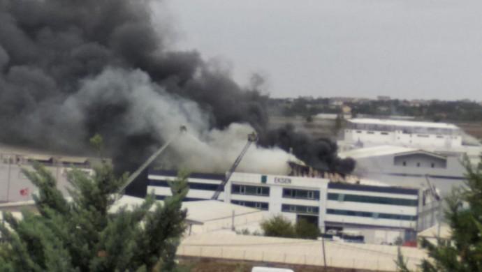 Silivri'de yangın: 4 işçi zehirlendi