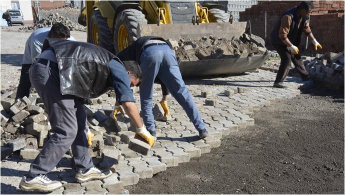 Sokaklarda Kilit taşıdöşeme çalışmalarına başlandı