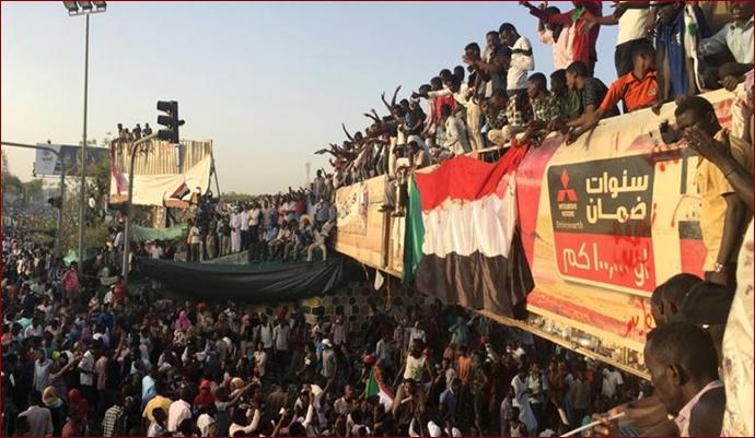 Sudan'da rejim düştü