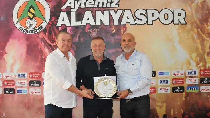 Süper Lig'da 1 Günde 2 Teknik Direktör Gitti