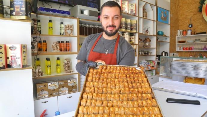 Süryanilerin 2 bin yıllık çöreği Matias'ın elinde lezzet buluyor