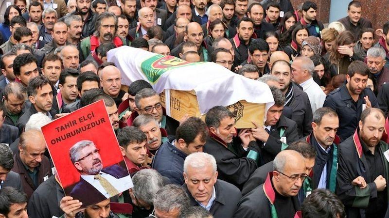 Tahir Elçi'nin Cenazesini 'Terörist Cenazesi' diye sunan Erkan Tan'a Takipsizlik !