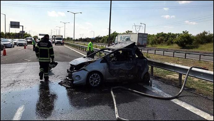 TIR'la çarpışan otomobil alev aldı: 5 kişi yaşamını yitirdi