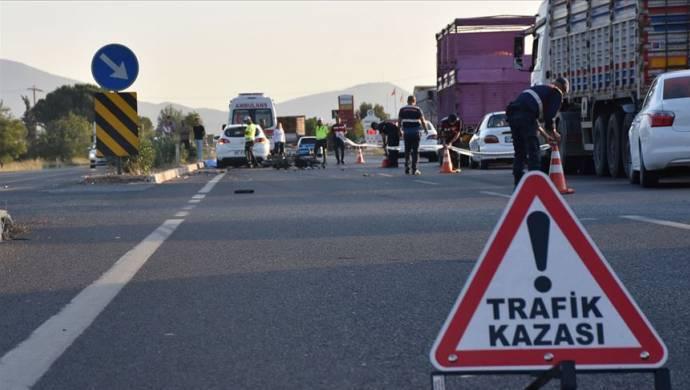 Trafik kazalarında 24 kişi hayatını kaybetti