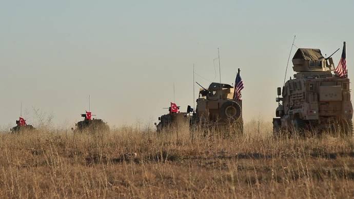 Türk ve ABD askerleri 'Güvenli Bölge'de ortak kara devriyesine başladı