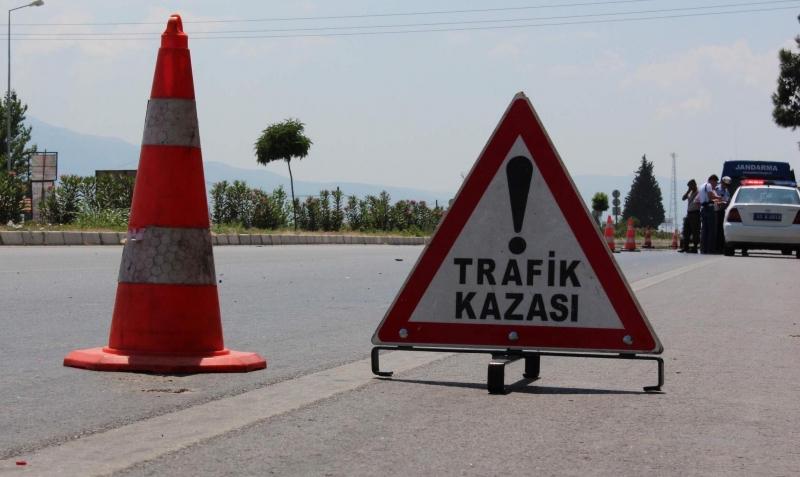 Urfa'da 2 otomobil çarpıştı:4 yaralı