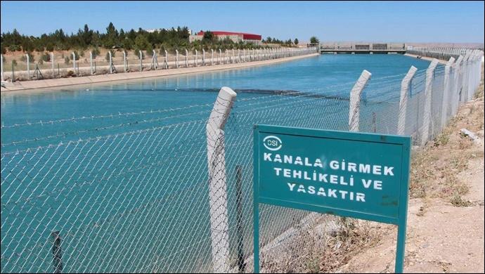 Urfa'da sulama kanalına düşen genç kayboldu