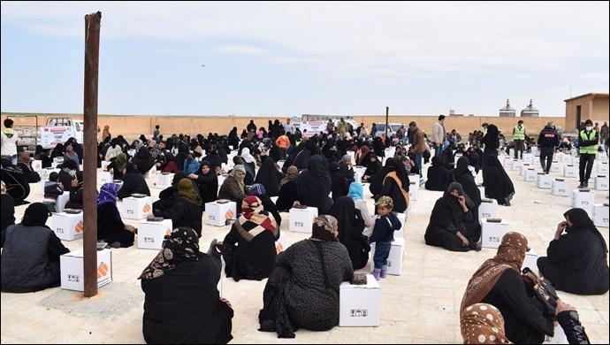 Urfa'dan 28 tır insani yardım malzemesi, Telabyad ve Resulayn'a gönderildi