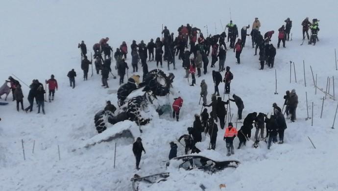 Van'da çığ felaketi: Ölü sayısı 33'e yükseldi