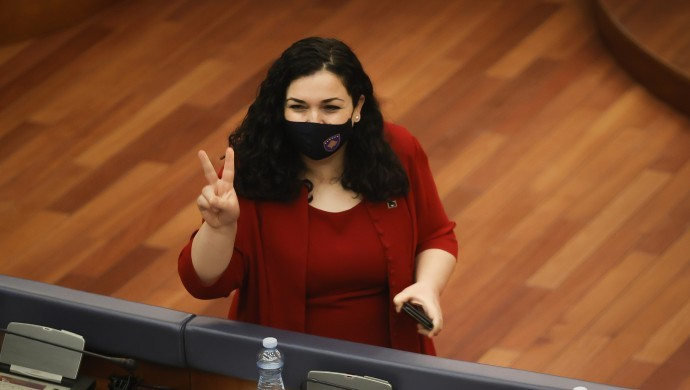 Vjosa Osmani Kosova'nın yeni Cumhurbaşkanı seçildi