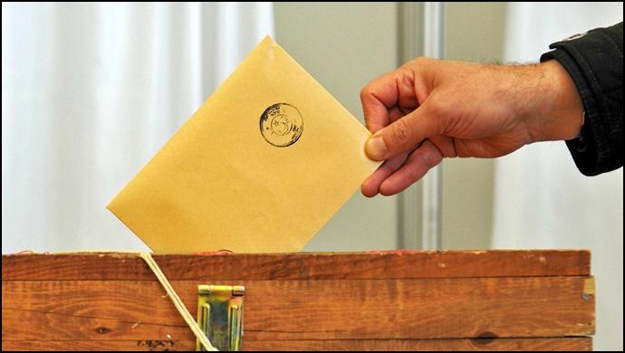 Yenilenen seçimde iki muhtar eşit oy aldı