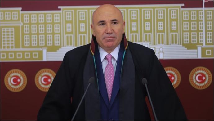 YÖK'e Göre 'Veteriner Hukuk Dekanı' Mecburiyettenmiş!