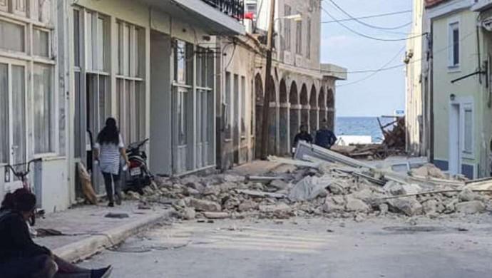 Yunanistan'da deprem nedeniyle 2 öğrenci hayatını kaybetti